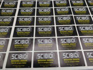 Etichette stampa e taglio adesive